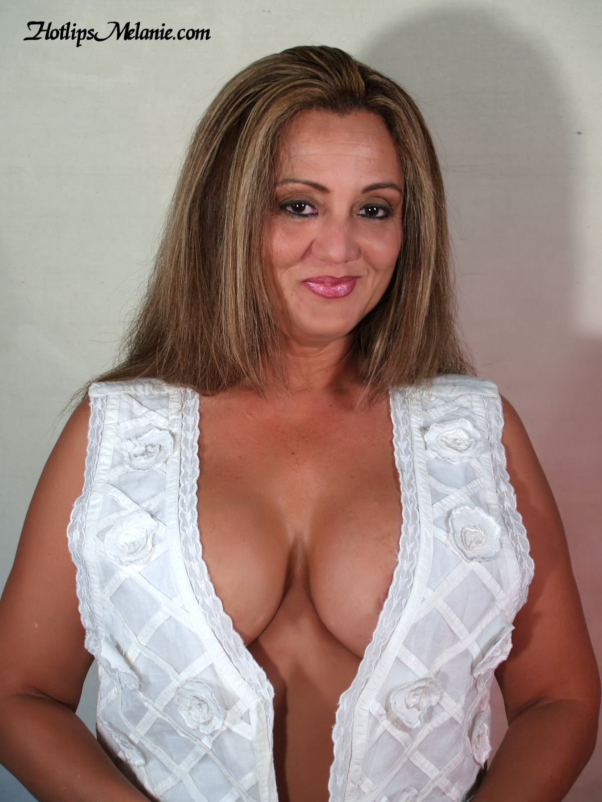 cleavage milf